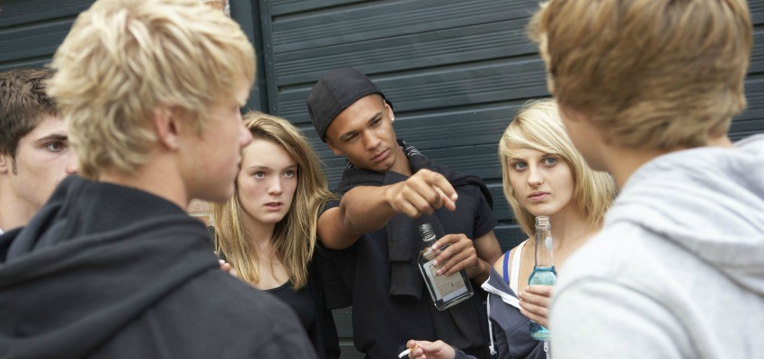 Teens involvement in gangs