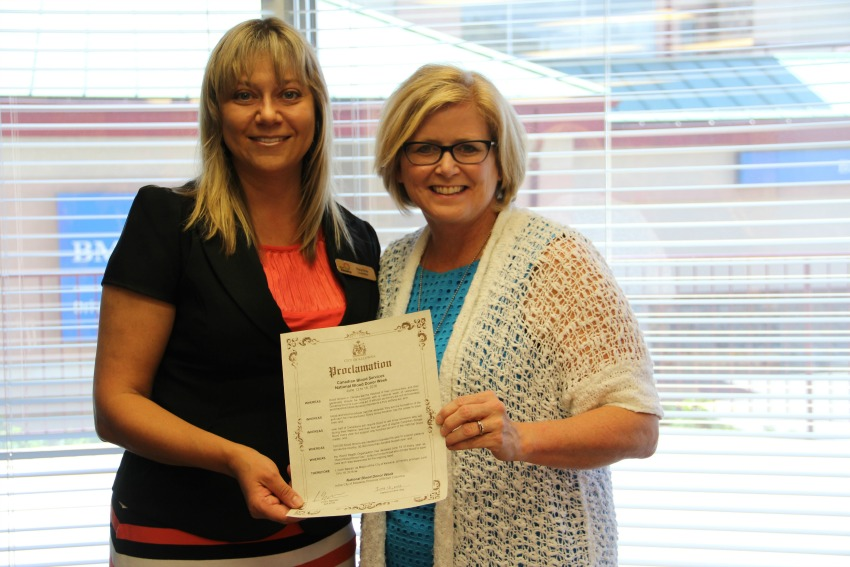 <who> Photo Credit: KelownaNow.com </who> (l to r) Councillor Tracy Gray and Blood Services Territory Manager Gayle Voyer.