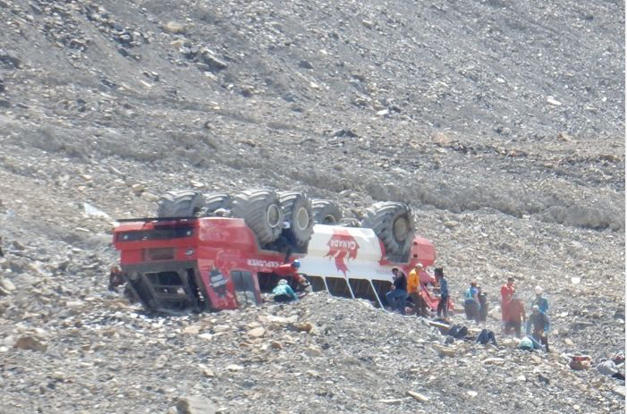 Tour company already investigating glacier bus crash that killed 3