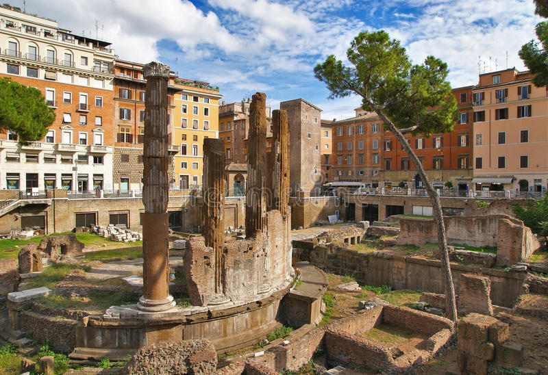 <who>Photo Credit: Contributed </who>Largo Argentina is located in the heart of downtown Rome and the place where Julius Caesar was assassinated. This will be one of the many sites visited when the Penticton Art Gallery sponsors a trip to Italy in September. There are only six spots left for the trip.