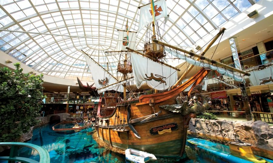 <who>Photo Credit: West Edmonton Mall</who>