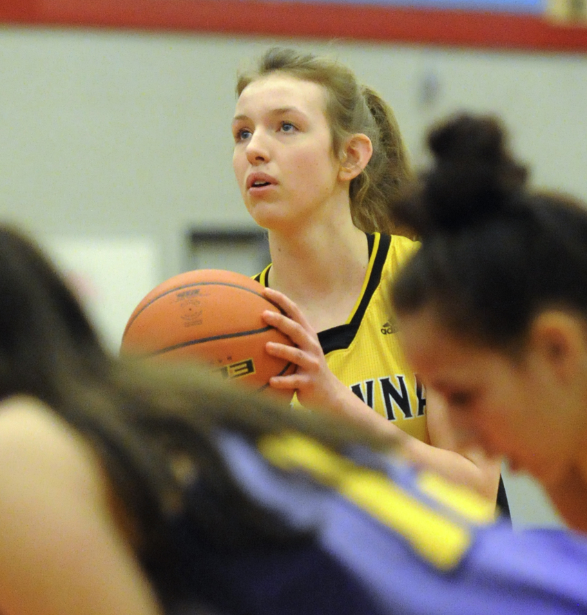 <who>Photo Credit: Lorne White/KelownaNow </who>Jordan Kemper scored 25 points in two games or the Owls at the Valley championship tournament.