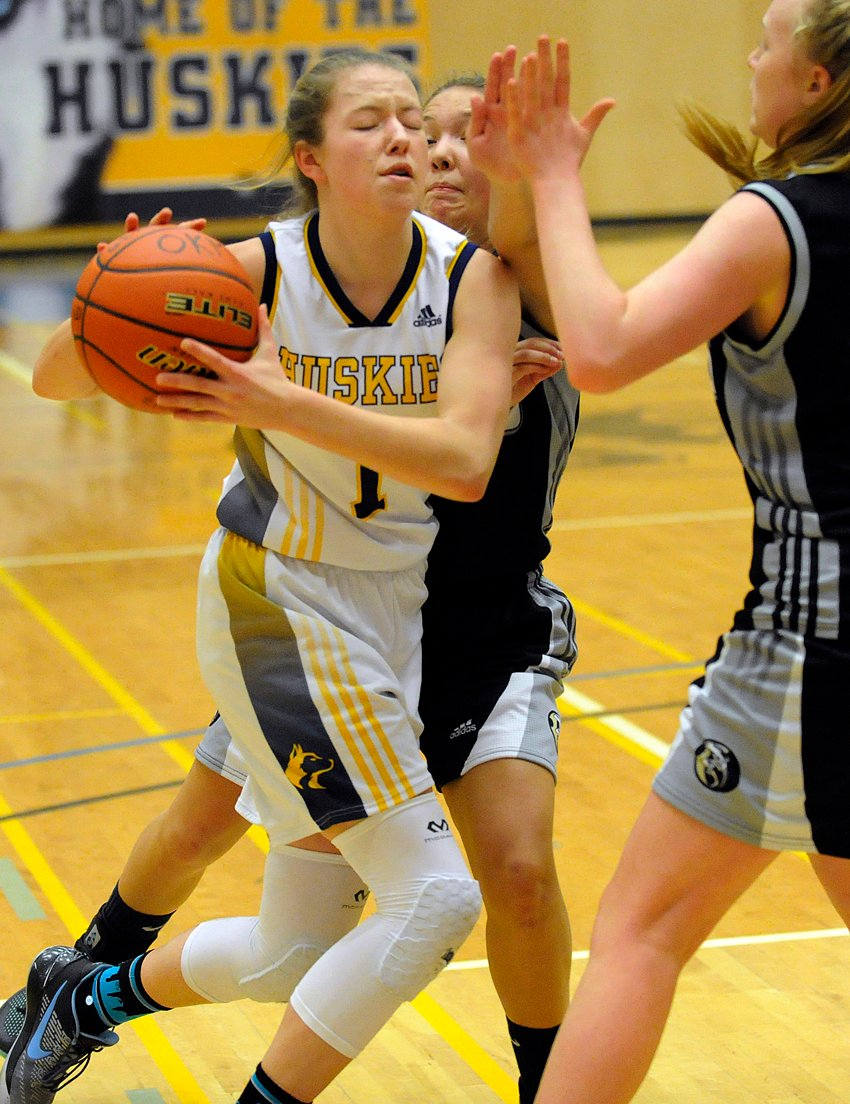 <who>Photo Credit: Lorne White/KelownaNow </who>Lily Pink's six three-pointers led OKM in its opening Valley win over Sahali of Kamloops.