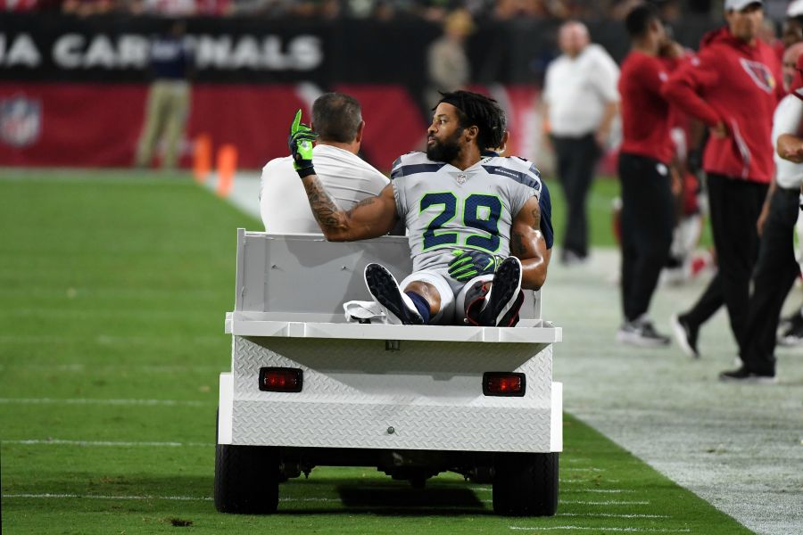 Seahawks' Thomas carted off field vs. Cards