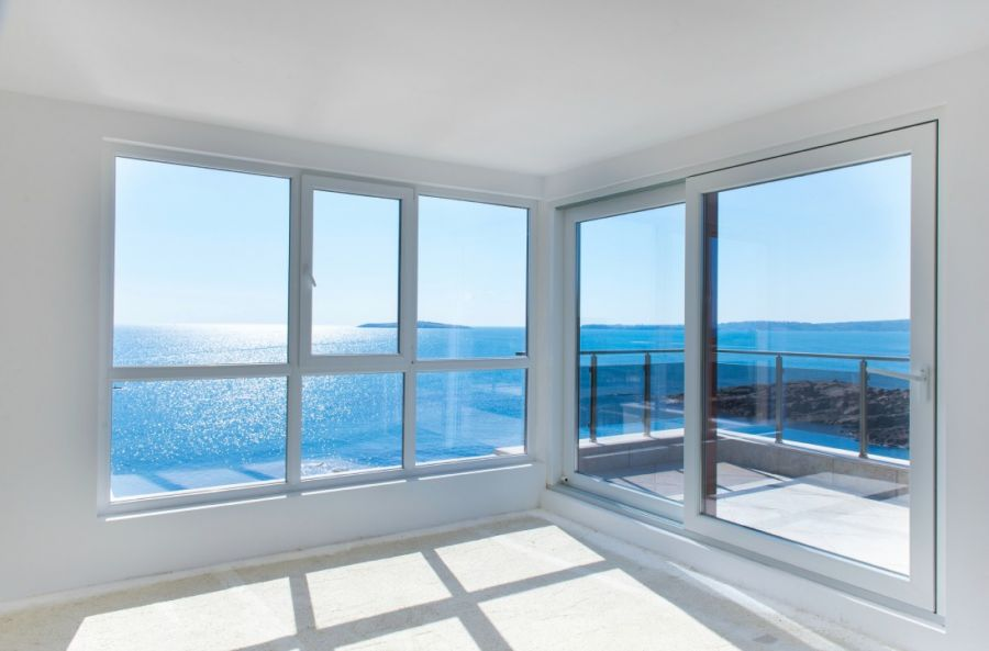 <who>Photo Credit: Contributed</who> Large windows are great for letting the sunshine in to light up and warm up your home in the colder winter months.