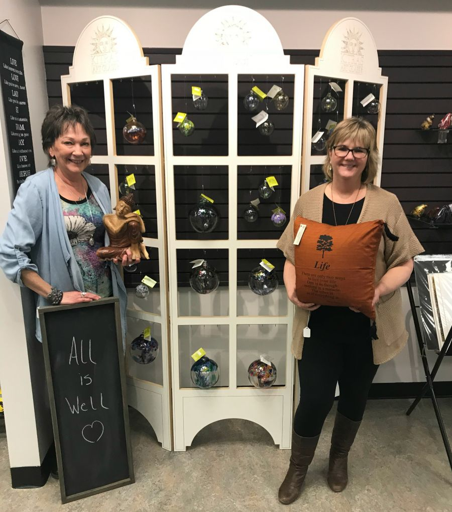 <who>Photo Credit: Contributed</who>Divine Inspired Gifts & Gallery - Lyne Holder (L) and Twila Thorne