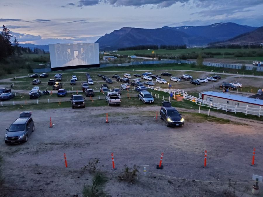 <who>Photo Credit: Starlight Drive-In Theatre