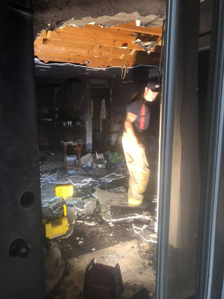 Young Kelowna couple lucky to get out alive after overnight fire consumes home