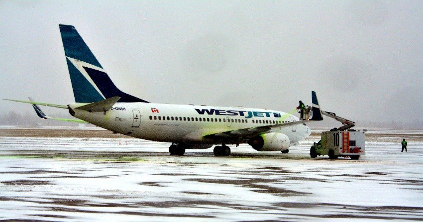 WestJet Airlines Ltd. (TSX:WJA)'s Target Weight Reaches 0.04110