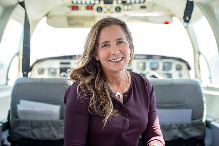 <who>Photo Credit: Iskwew Air</who> CEO Teara Fraser