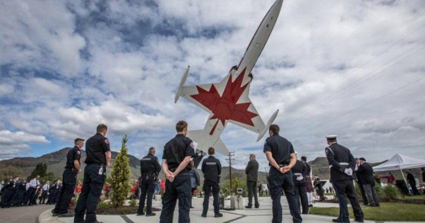 Local legion honours victim, survivor of Snowbirds crash in Kamloops