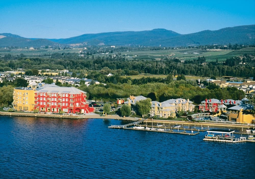 Manteo Resort Waterfront Hotel Kelowna Bc