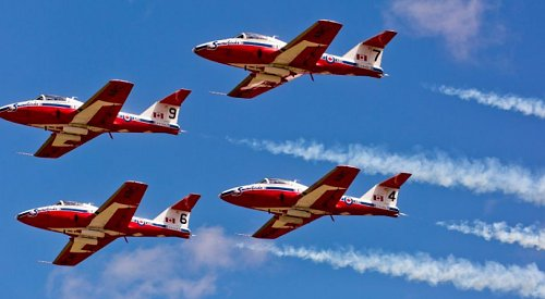 Local pilots to fly over Kelowna in solidarity with Canadian Snowbirds