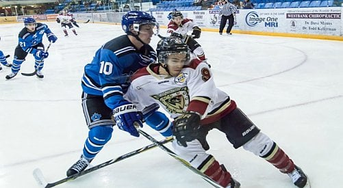 Penticton Vees Beat Out Warriors With a Two Point Lead