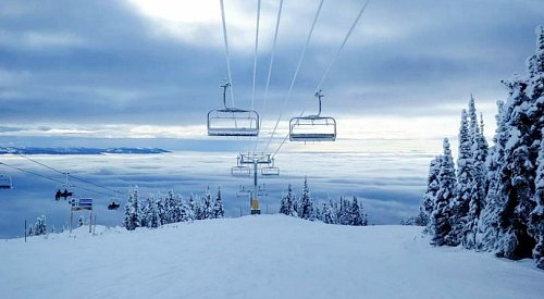 Unlimited visibility and calm winds at Big White on Wednesday