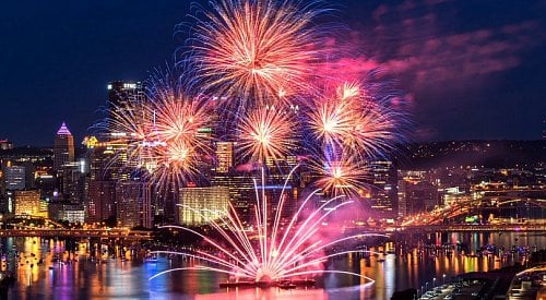 PHOTOS: Spectacular firework shows light up the U.S. skies for 4th of July