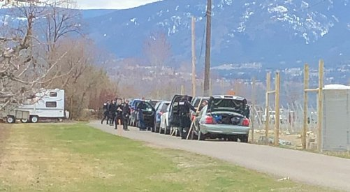 Kelowna RCMP appear to be conducting search near East Kelowna Road