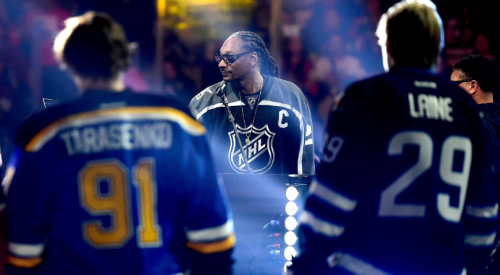 VIDEO: Snoop Dogg returns to an NHL hockey rink for more hilarious dialogue