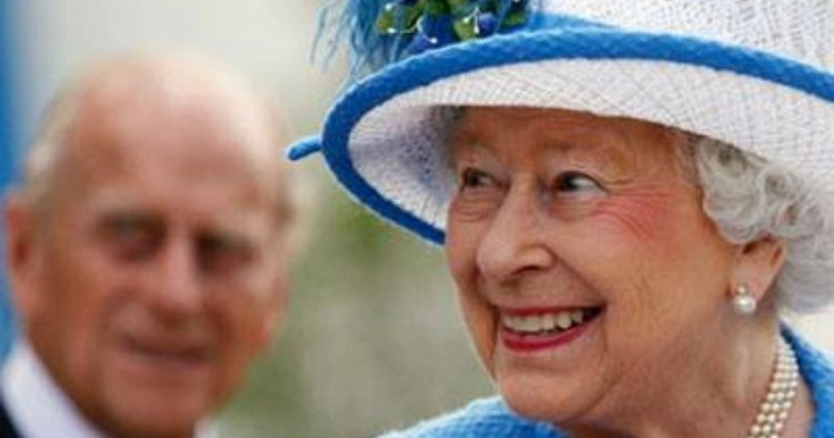 Queen celebrates 91st birthday with quiet day, gun salutes